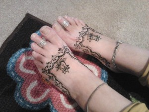 bridal henna on feet
